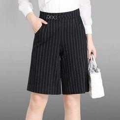 Manilu - Pinstripe Shorts