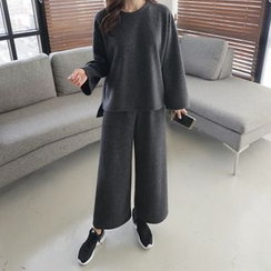 CLICK - Set: Crewneck T-Shirt + Wide-Leg Pants