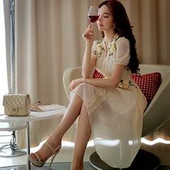Dabuwawa - Short-Sleeve Paneled Rosette Dress