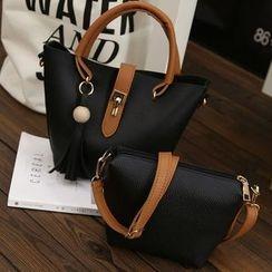 BAGuette - Tasseled Shoulder Bag