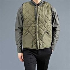THE COVER - Quilted Snap-Button Vest