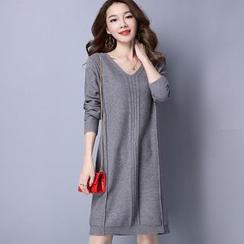 LANA - Long-Sleeve V-Neck Knit Dress