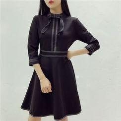 Octavia - 3/4-Sleeve Bow A-Line Dress