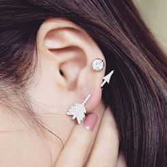 Nanazi Jewelry - Rhinestone Arrow Earrings