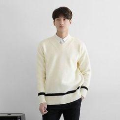 Seoul Homme - V-Neck Contrast-Trim Knit Top