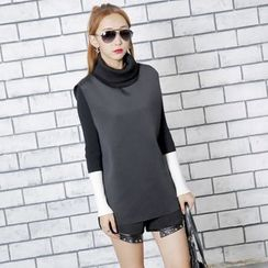 Sonne - Turtleneck Neoprene Sleeveless Pullover
