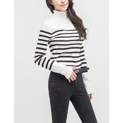 GUMZZI - Turtle-Neck Striped Knit Top