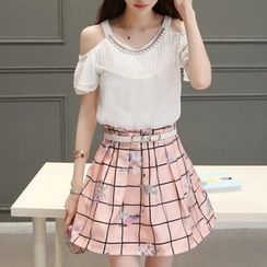 Ekim - Set: Cut Out Shoulder Short Sleeve Blouse + Printed Skirt