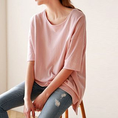 AGA - Elbow Sleeve Loose Fit T-Shirt