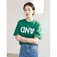 FROMBEGINNING - Short-Sleeve Lettering T-Shirt