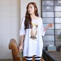 CLICK - Drop-Shoulder Parrot Print T-Shirt