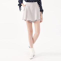 Tokyo Fashion - Layered Shorts