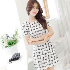 YUMU - Short-Sleeve Plaid Sheath Dress
