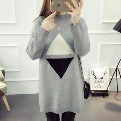 Emeline - Triangle Print Long Sweater
