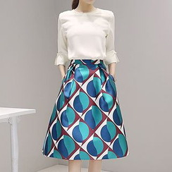Fashion Street - Set: Elbow-Sleeve Blouse + Geometric Print A-Line Skirt