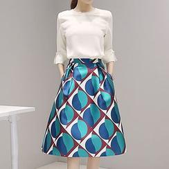 Fashion Street - Set: Elbow-Sleeve Blouse + Geometric Print A-Line Skirt