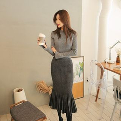 Cherryville - Set: Slit-Sleeve Knit Top + Ribbed Long Skirt