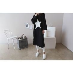 DAILY LOOK - Round-Neck Star Print Pullover Dress