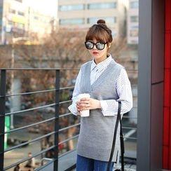 Seoul Fashion - V-Neck Long Knit Vest