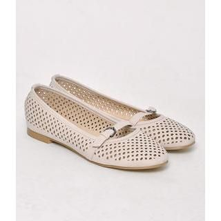 yeswalker - Perforated Buckled Flats
