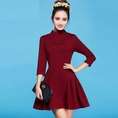 Strawberry Flower - 3/4-Sleeve Mock-Neck Dress