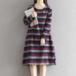 Queen Bee - 條紋長袖連衣裙
