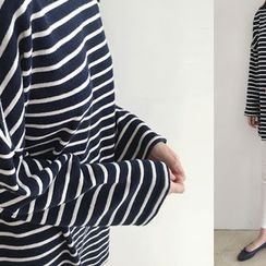 DAILY LOOK - Round-Neck Striped Top