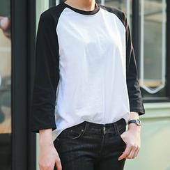 Seoul Fashion - Raglan-Shoulder 3/4-Sleeve T-Shirt