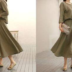 NANING9 - 3/4-Sleeve Cutaway-Back Dress