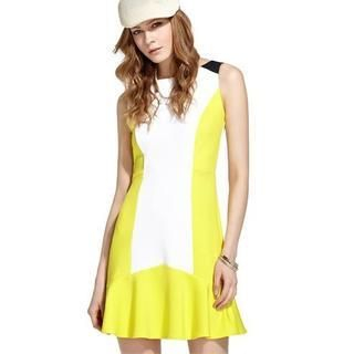 Moonbasa - Ruffled-Hem Contrast-Color Sleeveless Dress