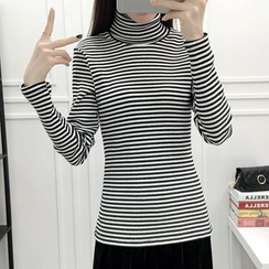 Lyrae - Striped Long Sleeve Turtleneck T-Shirt