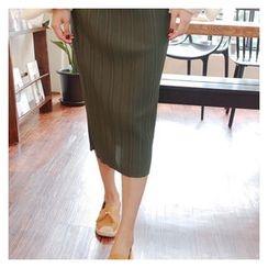 Cherryville - Band-Waist Pleated Midi Skirt