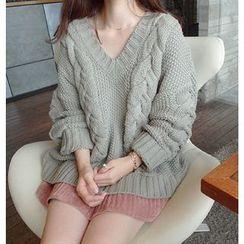 Emeline - 麻花針織V領粗織毛衣