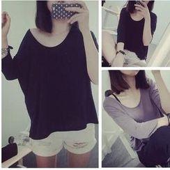 QZ Lady - Scoop-Neck Plain Loose-Fit T-Shirt