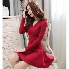 Sienne - Long Sleeve V-Neck A-Line Dress