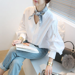NANING9 - Collarless Puff-Sleeve Blouse