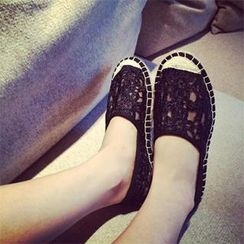 DreamyShow - Lace Slip-Ons