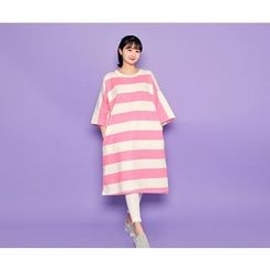 HOTPING - 3/4-Sleeve Striped T-Shirt Dress