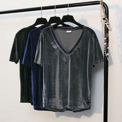 KANAMI - Short-Sleeve Velvet T-Shirt