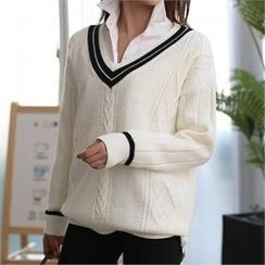 CHICFOX - V-Neck Cable Knit Top