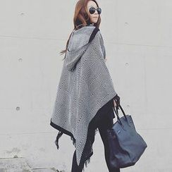Snow Sheep - Hooded Patterned Cape