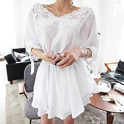 Queen Bee - Lace Panel Short Sleeves Tunic