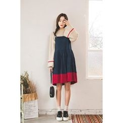 migunstyle - Spaghetti-Strap Pleated-Hem Dress
