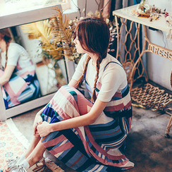 chuu - 幾何圖案風琴褶吊帶長裙