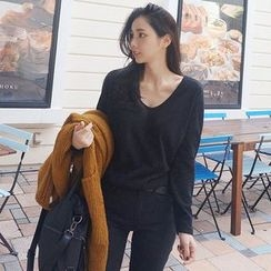 Seoul Fashion - V-Neck Loose-Fit T-Shirt