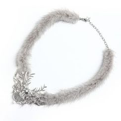 MIPENNA - Gorgeous Snow Deer Necklace