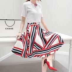 Lavogo - Set: Short Sleeve Chiffon Top + Printed Midi A-Line Skirt