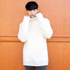 TOMONARI - Mock-Neck Long-Sleeve Sweater