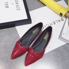 Chryse - Faux Patent Leather Pointed Flats
