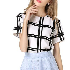 LIVA GIRL - Plaid Short Sleeve Chiffon Top